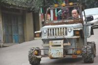 И смех, и грех. Устав от нищеты, китаец собрал самодельный «Хаммер». Фото