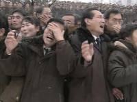 Слезы, рыдания, истерика… Корейцы прощаются с Ким Чен Иром. Фото