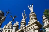 Обычный почтальон из Франции умудрился построить настоящий королевский дворец. Фото