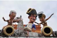 Саркози превратился в Наполеона, а Меркель – оголилась. Фото