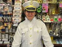 «Капитан Трус» – карнавальный костюм в честь того Скеттино, который утопил лайнер «Коста Конкордиа». Фото