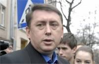 Цирк «У Коли Мельниченко» подготовил новую программу. У него есть еще парочка кассет по другим делам