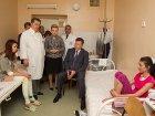Янукович популярно объяснил детям, что за взрывами в Днепропетровске, возможно, стоит попытка дестабилизировать ситуацию в стране