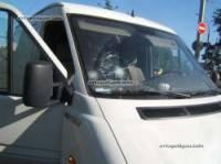В Киеве микроавтобус на «зебре» сбил пешехода, сломав ему позвоночник