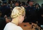 Украинский дипломат мудро отметил, что обычный футбольный болельщик плюет на Тимошенко с высокой колокольни