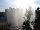 Посреди Киева забил мощный «гейзер», высотой с восьмиэтажный дом