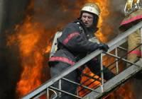 В Киеве горит гаражный кооператив. Спасатели эвакуируют автомобили