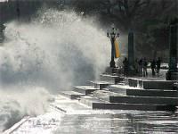 И шторм, и шквалы, и огонь. В ближайшие сутки Крым превратится не в самое приятное местечко на планете