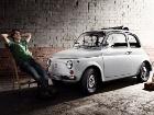 12 чертовски фотогеничных автомобилей составили необычный «Старинный календарь»