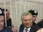 Поддержать Луценко в клетке приехали Квасьневский, Турчинов и Яценюк