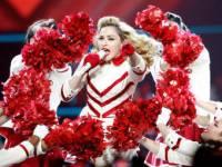 Россия решила не только вытрясти с Мадонны 333 миллиона, но и обвинила ее в подрыве обороноспособности страны