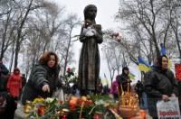 В Киеве проходит массовая панихида по жертвам Голодомора