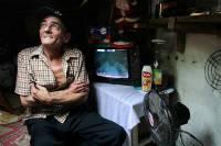Колумбийская пара уже 22 год живет... в канализации