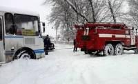 На Буковине 190 машин и 500 человек оказались в снежном плену