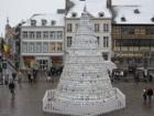 В Бельгии установлена единственная в своем роде рождественская ёлка из... фарфора