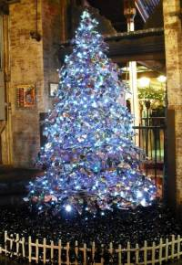 Самые необычные новогодние елки, созданные аматорами