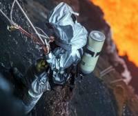 Снимки, ради которых фотограф спустился... в кратер вулкана