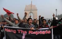 После зверского изнасилования студентки, жители Нью-Дели устроили полиции настоящий «конец света»