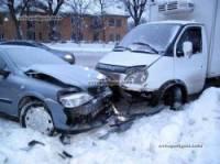 В Киеве водитель ГАЗели устроил ДТП с участием пяти машин