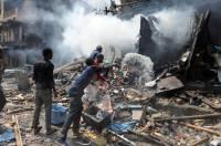 В нигерийском Лагосе мальчишка поджог петарду и… дотла сжег девять домов и десять машин