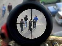 Взрослые все чаще стреляют в детей, в Киеве можно умереть, просто выйдя за хлебом, а история Оксаны Макар уже повторилась. Потрясения декабря 2012