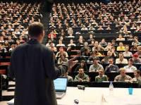 Из украинских вузов массово уволят профессоров и доцентов?