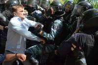 «Свободы» не хватило больше, чем на одну драку, лидеры оппозиции не попали под суд, а в Бангладеш произошло чудо. Картина праздничных выходных (9-10 мая 2013)