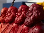 Неизвестные «социалисты» похитили 60 скульптур Карла Маркса на 18 тыс. евро
