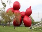 В Нью-Йорке появилась гигантская резиновая собака