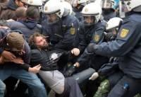 Демонстрация во Франкфурте-на-Майне переросла в столкновения с полицией
