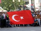 Турецкая полиция разогнала митинг в столице. Под раздачу попал даже водитель, просто нажавший на клаксон