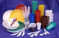Ученые выяснили, почему пластиковая посуда опасна для здоровья ребенка