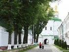 Правительство приняло решение о передаче УПЦ 75 объектов Киево-Печерской лавры. Правда, при желании их можно будет забрать