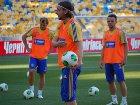 Из-за оранжевых маек спонсора сборную Украины на тренировке перед игрой с Израилем можно было перепутать с голландцами