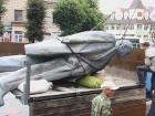 В Новоград-Волынском с центральной площади демонтировали памятник Ленину