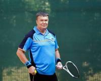Кто бы мог подумать. Оказывается, Янукович входит в десятку лучших теннисистов Украины