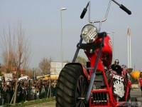 Итальянский конструктор потратил семь месяцев на жизни, чтобы создать самый большой мотоцикл в мире