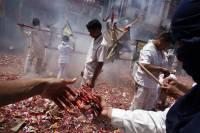 Вегетарианскй фестиваль на острове Пхукет. Торжественно, как на празднике, но страшно, как в фильме ужасов