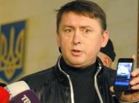 Кто бы еще высказался о скандале с прослушкой, если не Мельниченко. Говорит, что он даже знает, кого именно слушают