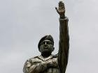 В Боливии открыли трехметровый памятник бывшему президенту Венесуэлы
