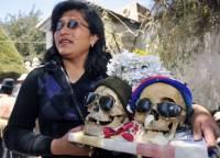 Как боливийцы празднуют свой традиционный жуткий праздник черепов