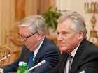 Кокс и Квасьневский дали украинским депутатам время до вторника, хотя уже смирились с тем, что вряд ли что-то изменится