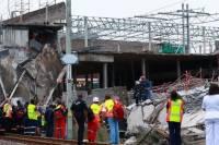 В ЮАР рухнула крыша торгового центра. Под завалами находятся люди