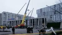 Количество погибших при обрушении торгового центра в Риге продолжает увеличиваться