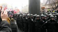 Похоже, на сегодня революция закончена. Луценко призывает всех заночевать на Майдане, а утром отправить Азарова в отставку