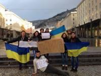 Волна протеста докатилась уже и до Норвегии. Народ и там вышел на Евромайдан