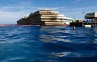 На суде стало известно, что пока Costa Concordia шла ко дну, экипаж выносил из сейфов…1,245 млн евро