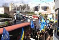 Турчинов предупреждает о провокациях со стороны «антимайдана». На Евромайдане уже замечены молодчики с железными трубами