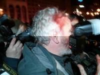 На Евромайдане разбили голову корреспонденту Reuters /СМИ/