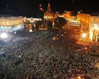 Провокации продолжаются. Под памятником Ленину неизвестные напали на Беркут